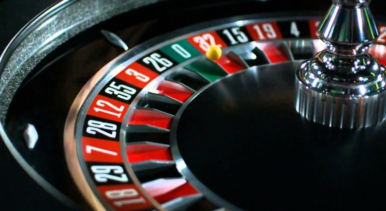 """Ruletė – fizinių ir internetinių kazino namų """"karalienė"""""""