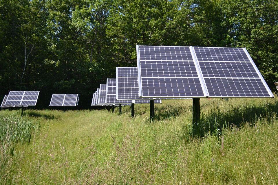 Parama saulės elektrinėms gyventojams ir verslui 2021 metais